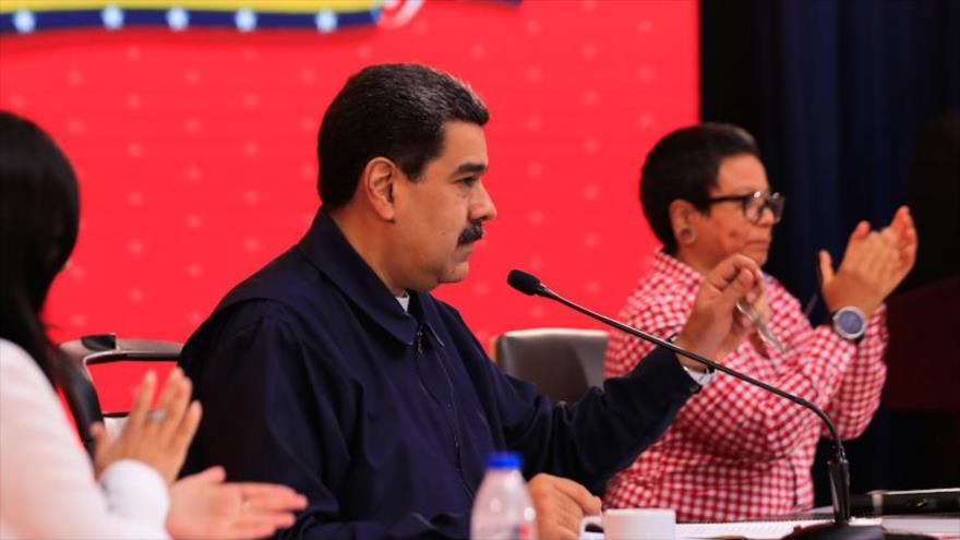 """Venezuela acusa a Colombia de usar migración para """"robar al mundo"""""""