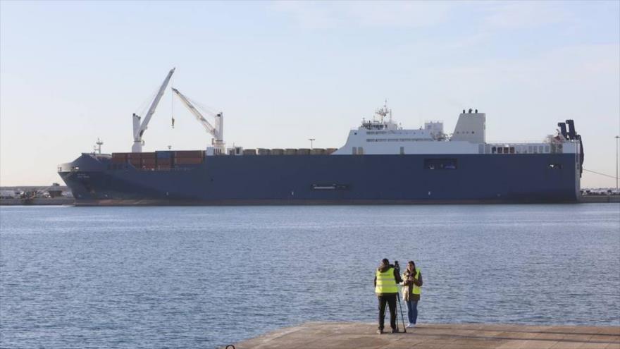 El barco saudí Bahri Abha atracado en el puerto de Sagunto en España, 10 de diciembre de 2019.