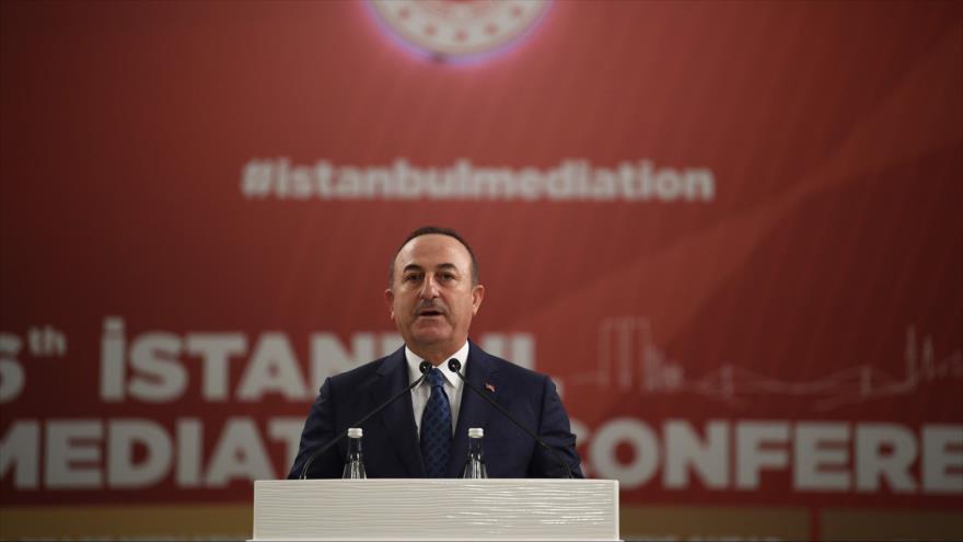 El canciller turco, Mevlut Cavusoglu, durante una reunión en Estambul (noroeste), 31 de octubre de 2019 (Foto: AFP)