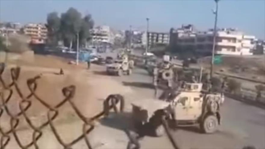 Vídeo: Ejército sirio bloquea paso de tropas de EEUU en Al-Hasaka | HISPANTV