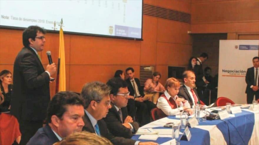 Comienzan conversaciones por el nuevo salario mínimo en Colombia