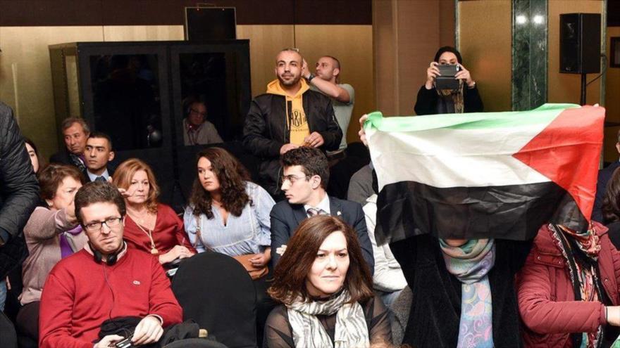 Activistas de BDS interrumpen un foro proisraelí en España