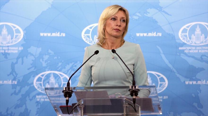 La portavoz de la Cancillería rusa, María Zajarova, ofrece una rueda de prensa en Moscú, capital.
