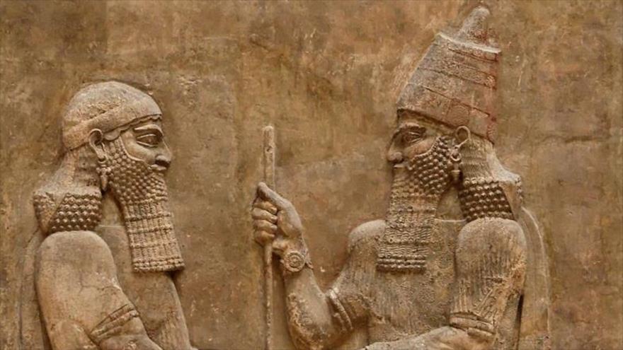 Relieve en piedra del palacio de Asurbanipal del Imperio neoasirio.
