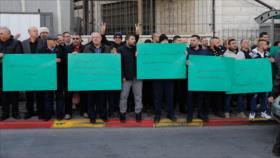 Palestinos denuncian ataque de colonos israelíes a sus propiedades