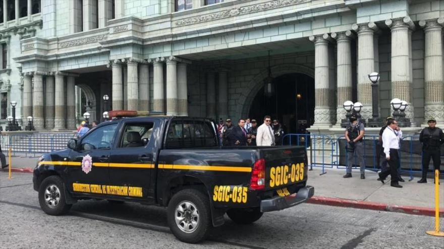 Agentes de la Policía en Chile allanan dependencias del Ministerio de Vivienda y Urbanismo (Minvu) por corrupción.