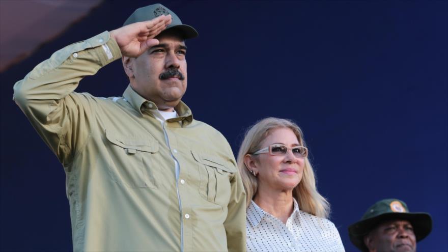 El presidente de Venezuela, Nicolás Maduro, junto a su esposa, Cilia Flores, en Caracas, 8 de diciembre de 2019. (Foto: AFP)