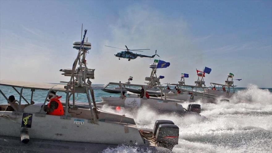 Fuerzas navales del Cuerpo de Guardianes de la Revolución Islámica (CGRI) de Irán en una maniobra en el Golfo Pérsico.