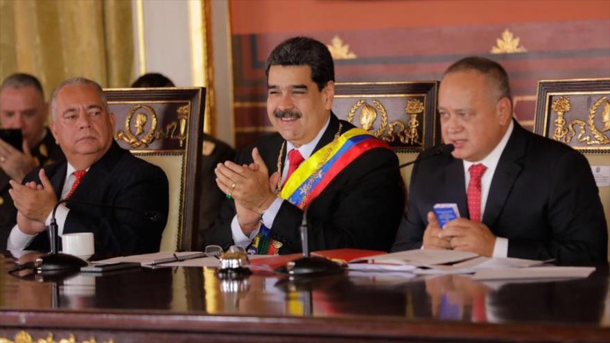 El presidente de Venezuela, en una celebración con motivo del 20.º aniversario de la Constitución venezolana, 15 de diciembre de 2019. (Foto: Twitter)