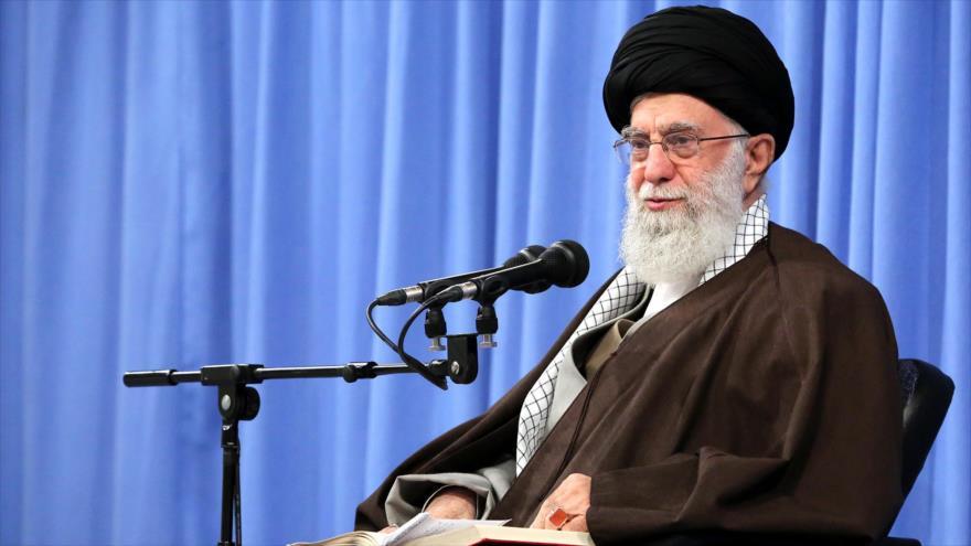El Líder de la Revolución Islámica de Irán, el ayatolá Seyed Ali Jamenei, en un encuentro en Teherán, 15 de diciembre de 2019. (Foto: Khamenei.ir)