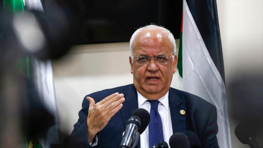 El secretario general de la Organización para la Liberación de Palestina (OLP), Saeb Erekat, en una rueda de prensa en Ramalá, 19 de noviembre de 2019. (Foto: AFP)