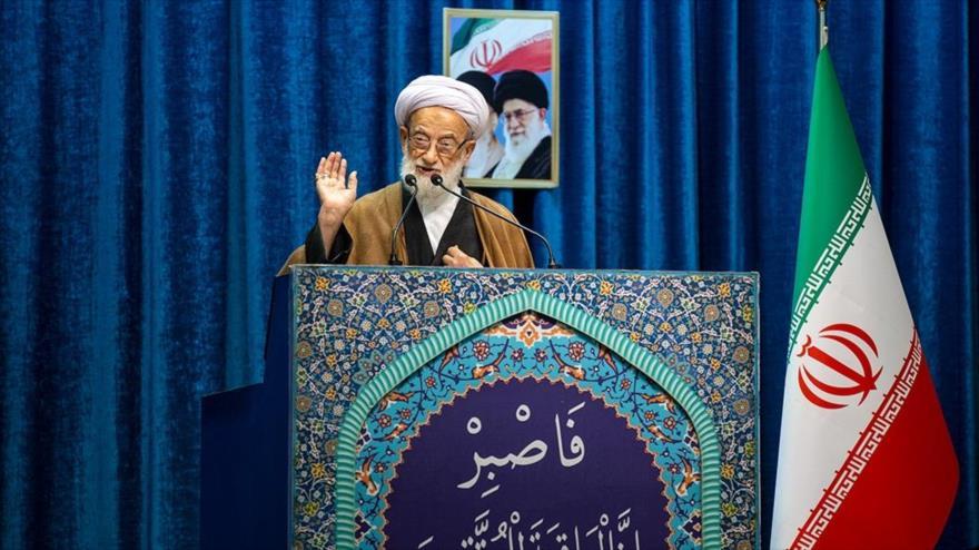 El ayatolá Mohamad Emami Kashani ofrece su sermón de este viernes en Teherán, capital de Irán, 20 de diciembre de 2019. (Foto: Fars)