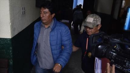 Gobierno de facto en Bolivia persigue a dirigentes del MAS