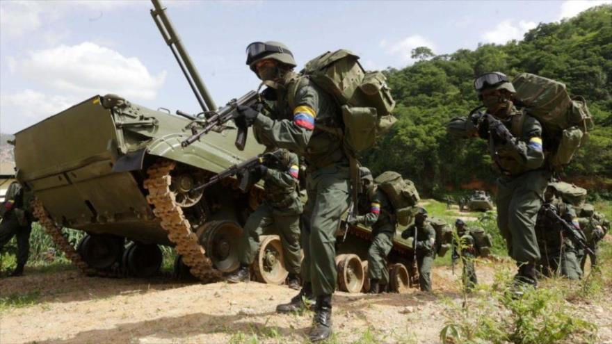 Varios efectivos de la Fuerza Armada Nacional Bolivariana (FANB) intervienen en los Ejercicios Independencia 2016 en el estado de Táchira.