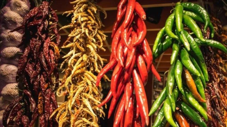 Estudio revela que comer chile puede salvar tu vida.