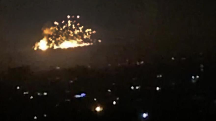 Un ataque aéreo israelí en las afueras de Damasco, capital siria, 20 de noviembre de 2019. (Foto: AFP)