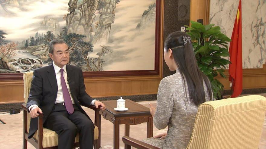 El canciller de China, Wang Yi, en una entrevista con el diario local, 24 de diciembre de 2019.