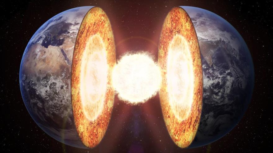 """El núcleo interno de la Tierra podría estar cubierto por """"nieve metálica""""."""