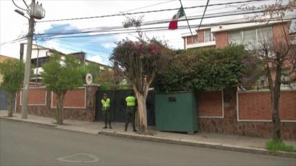 """México ve """"sin precedentes"""" el asedio de su embajada en Bolivia"""