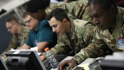 Informe: EEUU hace sonar alarmas de guerra cibernética con Rusia