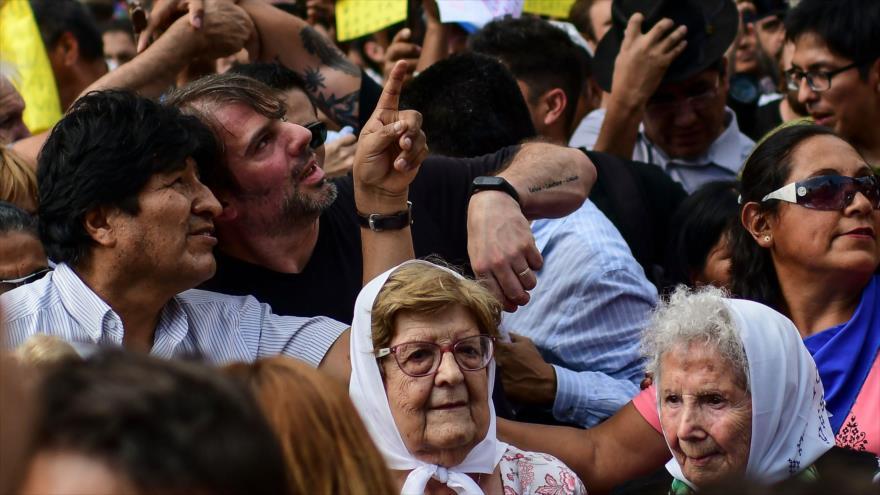 Morales se une a marcha de Madres de Plaza de Mayo en Argentina | HISPANTV