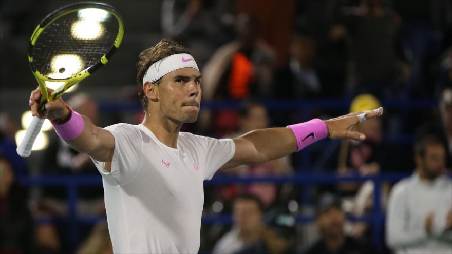 El tenista profesional español, Rafael Nadal, tras ganar la final del torneo de exhibición de Abu Dabi, 21 de diciembre de 2019. (Foto: AFP)