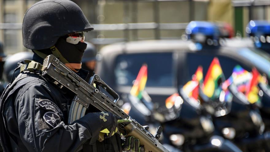 Un miembro de la unidad antiterrorista de Bolivia durante una misión en La Paz, capital, 3 de diciembre de 2019. (Foto: AFP)