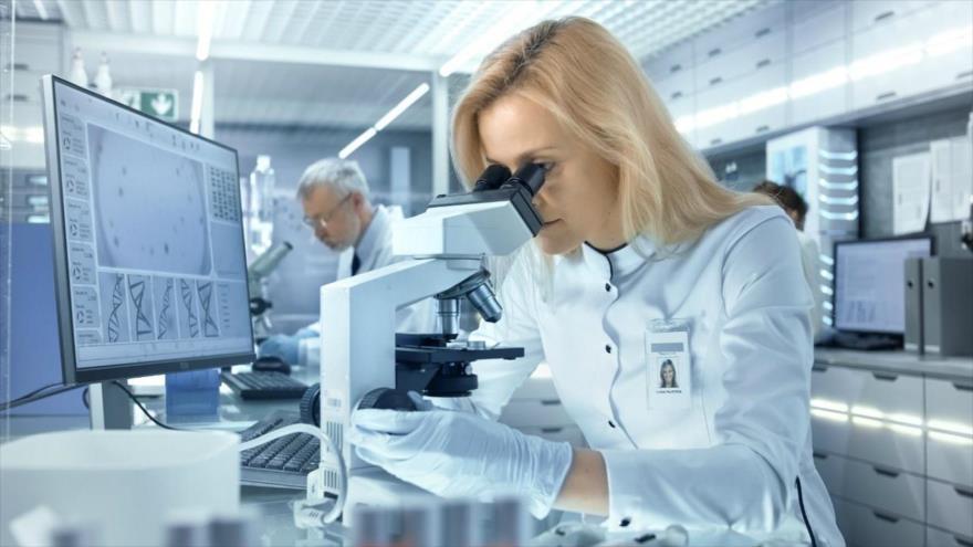 Una investigación científica descubre un arma contra el cáncer (Foto: Gorodenkoff/Shutterstock).