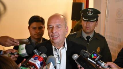 Bolivia planea expulsar a funcionarios de la embajada de España