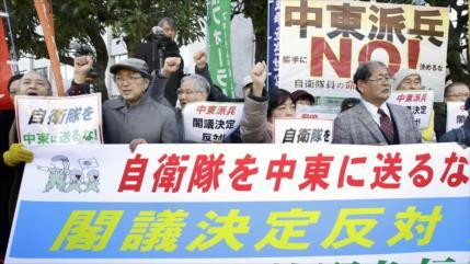 Japoneses protestan contra el envío de fuerzas a Oriente Medio