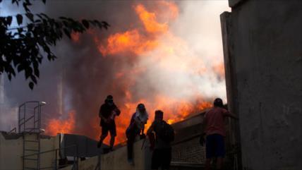 Los dedos acusadores apuntan a Carabineros chilenos por incendios
