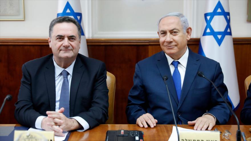 El canciller de Israel, Yisrael Katz, (izq.) y el primer ministro israelí, Benjamín Netanyahu, Al-Quds (Jerusalén), 24 de febrero de 2019. (Foto: AFP)