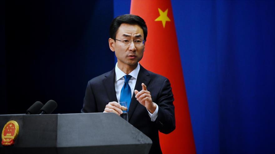 El portavoz de la Cancillería china, Geng Shuang, en una sesión informativa en Pekín, la capital, 28 de noviembre de 2019. (Foto: AFP)