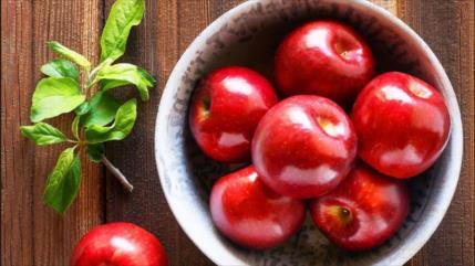 ¿Comer dos manzanas al día te mantendrá alejado del médico?