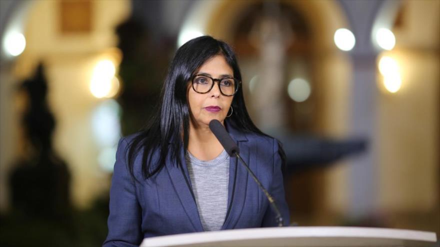 La vicepresidenta Ejecutiva venezolana, Delcy Rodríguez, en una rueda de prensa celebrada en Caracas, capital venezolana.