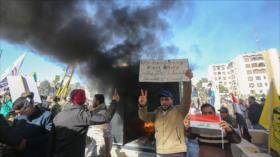 Iraquíes dan una respuesta adecuada al atacar a la embajada de EEUU
