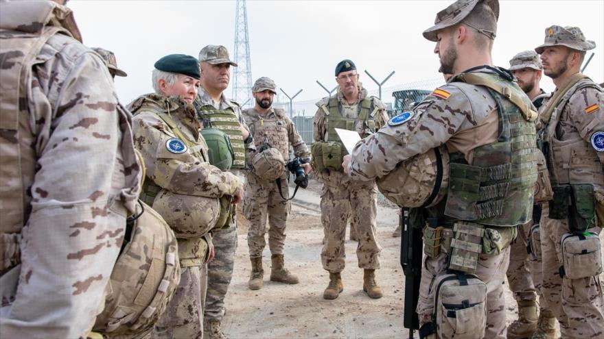 Una visita de la comandante entrante de la misión de la OTAN en Irak, Jennie Carignan.