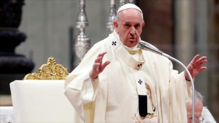El papa llama a la paz tras escalada de tensiones entre Irán y EEUU
