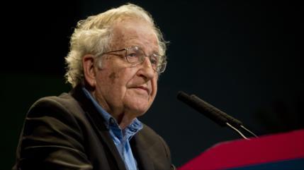 Chomsky: EEUU amenaza la paz mundial; hay que evitar la guerra con Irán