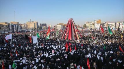 Masivo acto de homenaje a Soleimani en Kerman, su ciudad natal