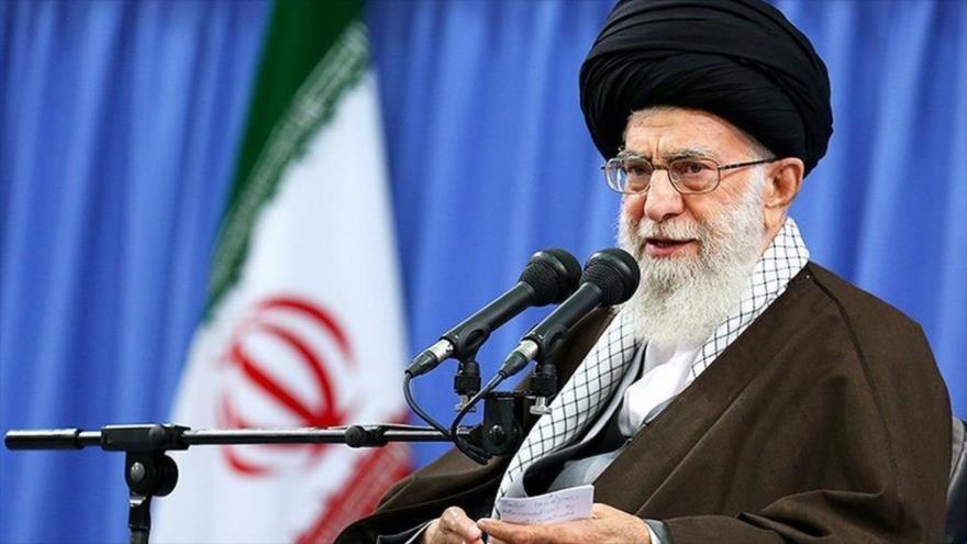 Líder: El pueblo iraní está equipado ante los matones del mundo | HISPANTV