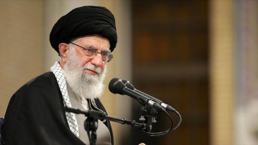 Líder de Irán: Se acabó la era de atacar y huir para EEUU   HISPANTV