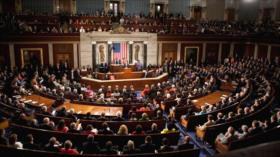 Cámara Baja de EEUU limita capacidad militar de Trump contra Irán