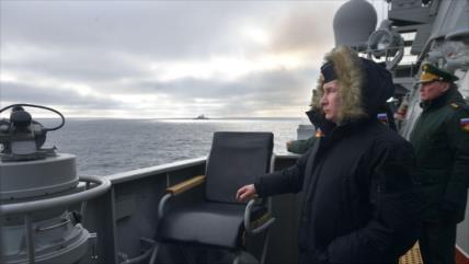 Vídeo: Putin supervisa prueba de misiles hipersónicos en Crimea
