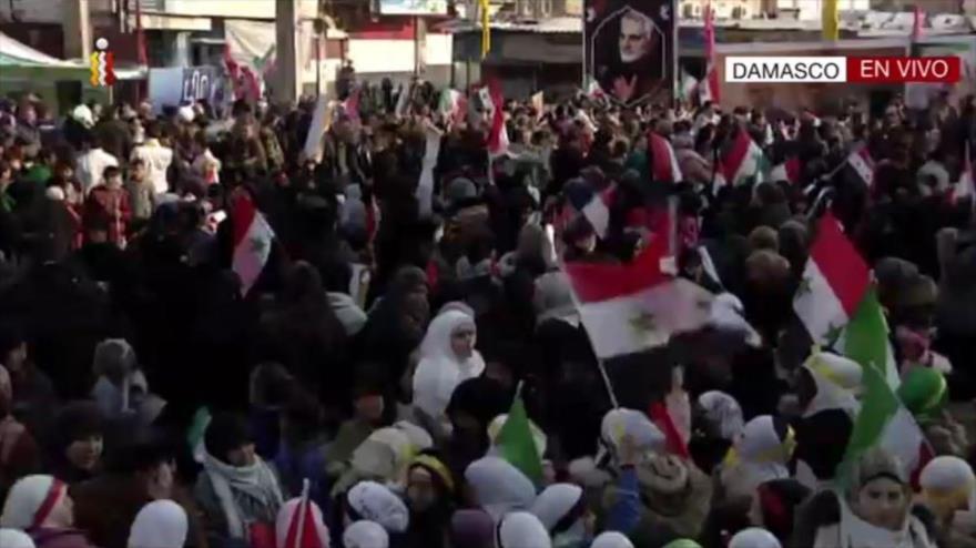 Sirios conmemoran al general Soleimani, héroe de lucha contra EIIL   HISPANTV