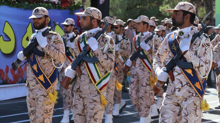 Fuerzas del Cuerpo de Guardianes de la Revolución Islámica (CGRI) de Irán durante una marcha militar. (Foto: Tasnim)