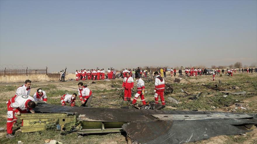 Restos del Boeing ucraniano estrellado cerca de Teherán (capital iraní), 8 de enero de 2020. (Foto: YJC)