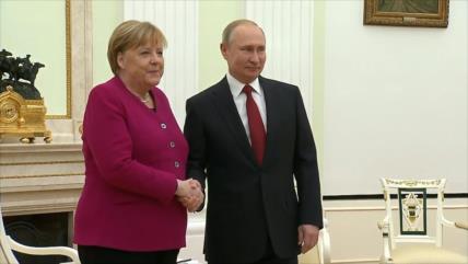 Putin y Merkel discuten la situación en torno al acuerdo nuclear