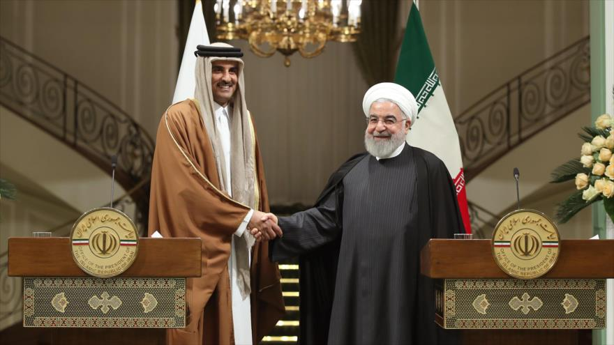El presidente iraní, Hasan Rohani (dcha.), y el emir catarí, Tamim bin Hamad al Thani, en una rueda de prensa, Teherán, 12 de enero de 2020. (Foto: President.ir)