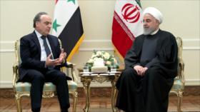 Rohani llama a expulsar a los invasores estadounidenses de región